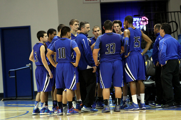 varsity_basketball_huddle_600w